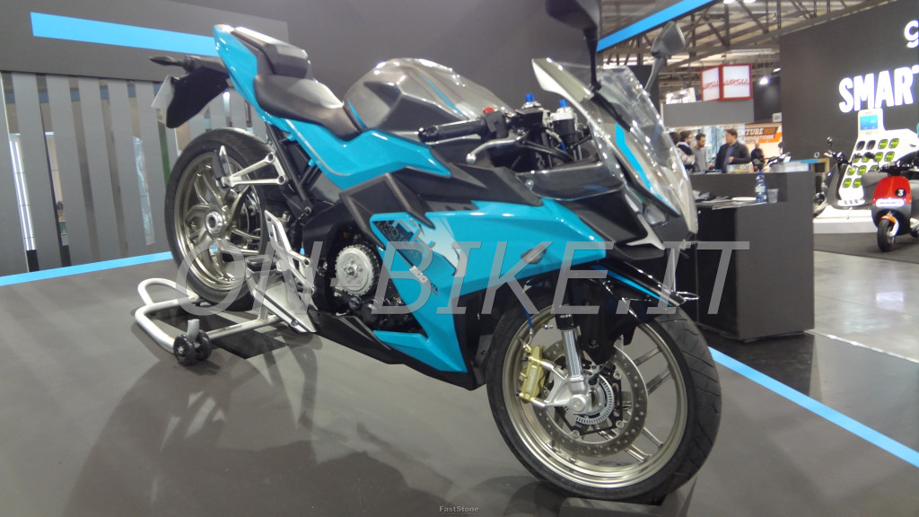 FK Motors 300, supersportiva made in Cina